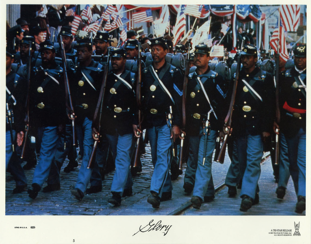 the story of civil war as portrayed in the 1989 film glory A film that views the civil war from an unusual perspective, 1989's glory provides a moving and compelling look at director edward zwick's usual themes of bravery and freedom and does so in a passionate and entertaining manner.